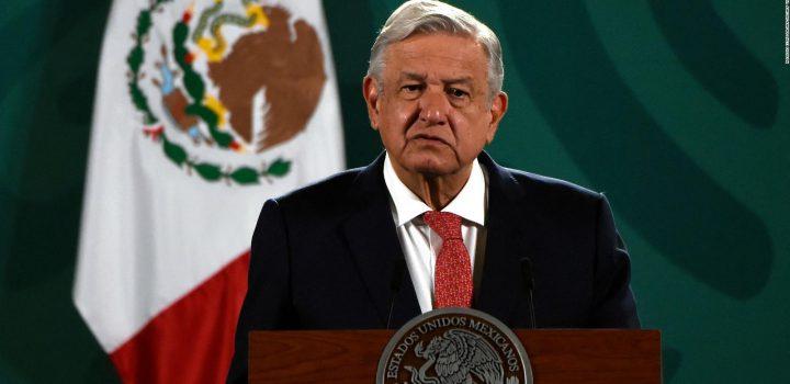 """""""¿Cómo no voy a aceptar la responsabilidad si soy presidente de México?"""", dice AMLO sobre las muertes en la pandemia"""