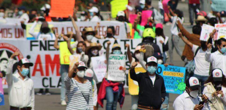 Por segunda ocasión, estudiantes marchan para exigir agilidad en vacunación para regreso a clases seguro