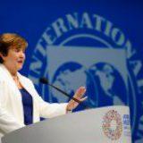FMI prevé que pandemia se extienda hasta 2023 por el lento ritmo de vacunación
