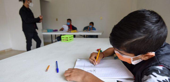 """Reapertura de escuelas es esencial para evitar """"catástrofe generacional"""", alertan Unesco y Unicef"""