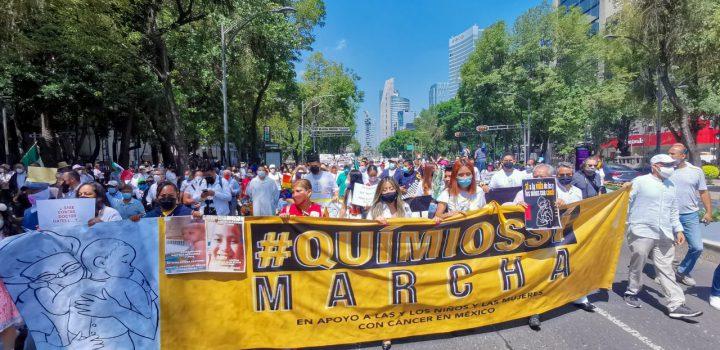 #QuimiosYa: Familias de niños con cáncer marchan para exigir a AMLO medicamentos oncológicos