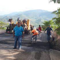 Avanza asfaltado del acceso a colonias antorchistas de Chilpancingo