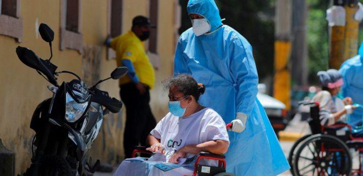 México mantiene racha de más de 20 mil contagios diarios de Covid