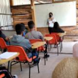 Estudiantes exigen vacunas por contagios tras regreso a clases presencial