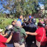 Reprime gobierno de Valle de Santiago a familias que piden agua potable