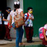 Más escuelas cierran por Covid-19; estados morenistas se resisten