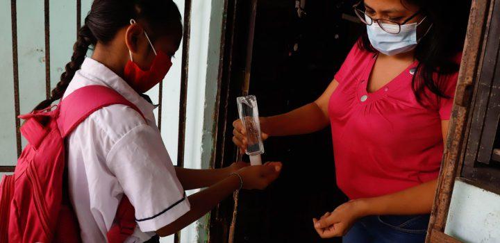 OPS advierte de aumento de casos Covid en menores de América