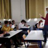 Francia veta el lenguaje inclusivo en escuelas por considerarlo un 'obstáculo' para el aprendizaje