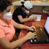 SAT quiere que jóvenes den de alta su RFC, pero 4.9 millones no tienen acceso a internet