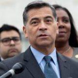 Secretario de Salud de EE. UU. asegura que sistema migratorio está roto y urge una reforma